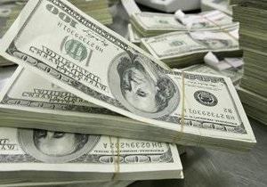 НБУ продолжает тратить резервы на поддержание курса гривны