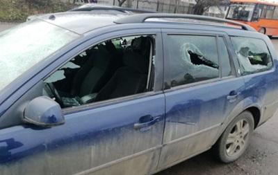 Пьяный полицейский избил мужчину и разгромил автомобиль