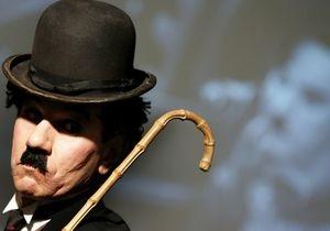 У бронзового Чарли Чаплина похитили трость