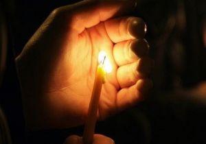Россиянка сгорела, заснув перед свечами у гроба