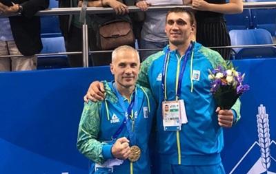 ФБУ відсторонила тренера і менеджера Вихриста за перехід боксера в профі