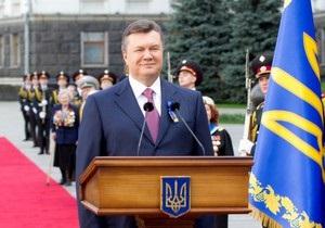 Янукович поздравил украинцев с Днем Победы