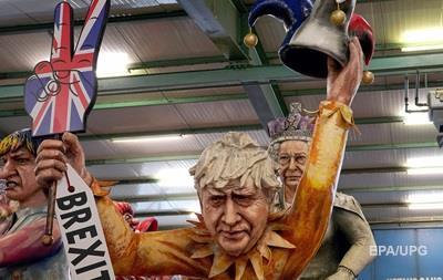 Великобританія введе нові паспорти після Brexit