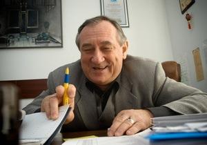 Корреспондент опубликовал свою версию биографии Ступки