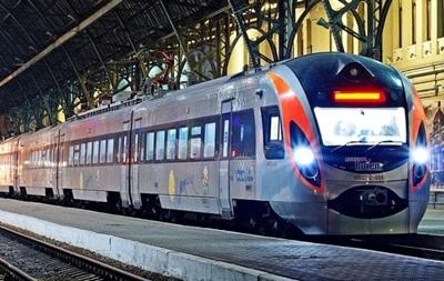 Міжнародні потяги курсують згідно з графіком