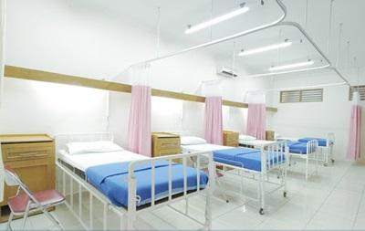 Українські лікарні зобов яжуть перенести операції через коронавірус