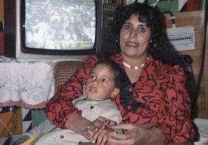 НПС: Алжир принял семью Каддафи, чтобы она перебралась в другую страну