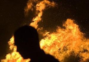 В Киеве из-за неосторожного обращения с огнем погиб пенсионер