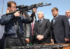 Медведев: Бандитов на Северном Кавказе нужно жестко и систематически уничтожать