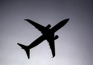 Трое украинцев намерены подать в суд на латвийский low-cost AirBaltic