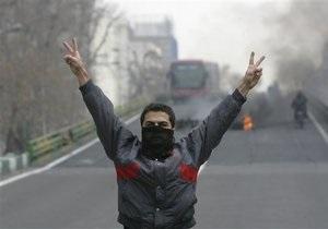 Иранская полиция подтверждает информацию о гибели оппозиционеров в Тегеране