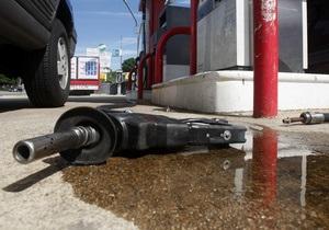 Кабмин обещает договориться с НПЗ о стабилизации цен на рынке нефтепродуктов