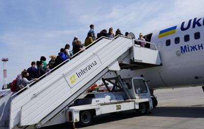 В Польшу двумя самолетами прибыли 186 украинских заробитчан