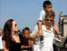 Питт и Джоли переедут во Францию