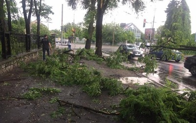 Негода знеструмила 80 населених пунктів України