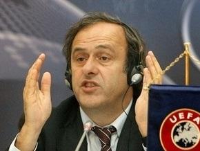 Газета: Футбольный Евро-2012 захромал на одну ногу