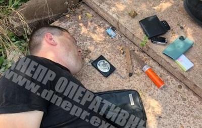 Поліцейський і депутат у Кривому Розі вибивали  борг  у $ 100 тис.