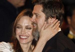 Брэд Питт назвал операцию Анджелины Джоли по удалению груди  героическим поступком