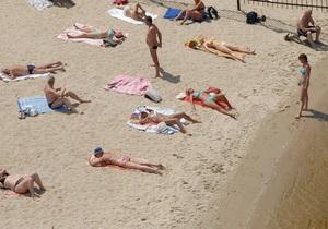 Санэпидемстанция разрешила купаться на четырех киевских пляжах