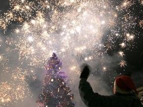 В новогоднюю ночь приняли участие в массовых гуляниях 1,6 млн украинцев