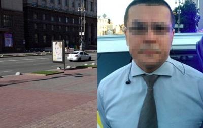 В Киеве на Крещатике подожгли автомобиль