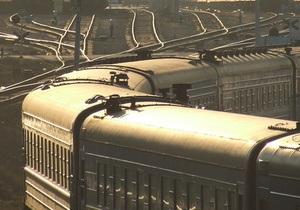 Под Киевом Volkswagen столкнулся с поездом Киев - Львов: есть погибшие