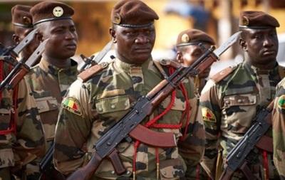 Військові в Малі заарештували президента і прем єра