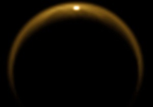 Астрономы: Весной на спутнике Сатурна идут дожди