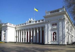 СМИ сообщают о захвате кабинета мэра Одессы, милиция - опровергает это