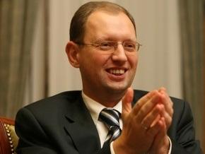 Яценюк о международной политике: Заграница нам поможет - ошибочная мысль