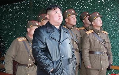 Северная Корея продемонстрировала на параде новую баллистическую ракету