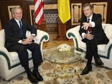 Украина и США подписали Дорожную карту
