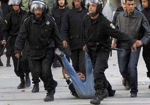В правящей партии Туниса большинство писем премьера, опубликованных хакерами из Anonymous, назвали подделкой