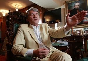 Ющенко: Небезразличных к судьбе Украины больше, чем любителей ходить строем под русские марши