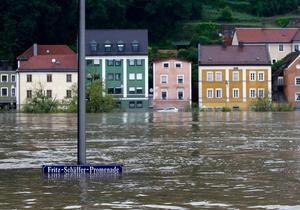 Наводнение приближается к Берлину. Большая вода угрожает Словакии и Венгрии