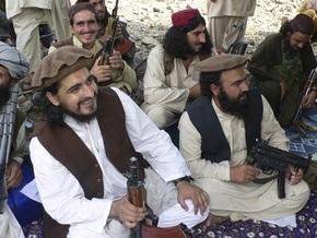 Лидер пакистанских талибов, которого считали погибшим, встретился с журналистами