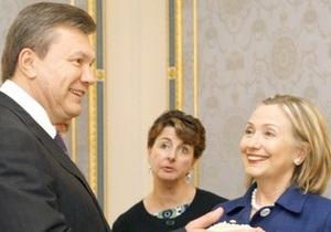 Янукович назвал Клинтон  генеральным секретарем