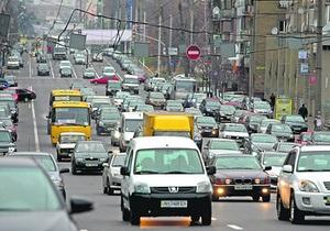 На дорогах Киева образовалось около десяти новых проблемных мест