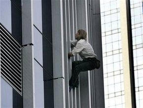 Человек-паук покорил 33-этажное здание в Джакарте