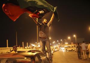 В Триполи прошел импровизированный парад победы