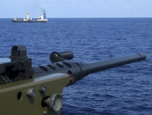 Сомалийские пираты за сутки похитили два судна