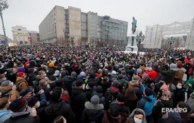 Кремль о протестах в России: Вышло мало людей