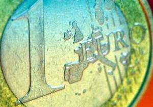 Евро на межбанке упал до минимума с сентября 2010 года