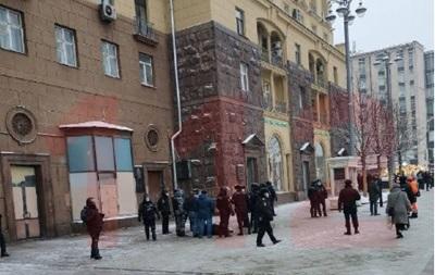 У центрі Москви чоловік підпалив себе, його врятували