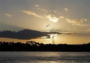 Поляк во время шторма пытался доплыть из Папуа-Новой Гвинеи в Австралию на плоту из веток