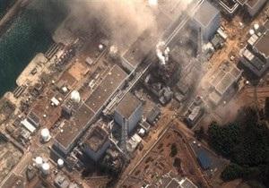 Вертолеты, сбрасывавшие воду над реактором Фукусима-1, остановили работу из-за радиации