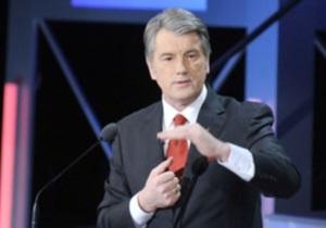 Ющенко пожаловался, что в юности его называли и  москалем , и  бандеровцем