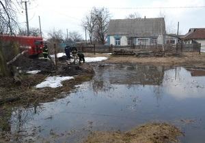 погода в Украине - наводнение - Подтопленными остаются 82 населенных пункта в шести областях Украины