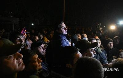 У Вірменії опозиція заблокувала парламент