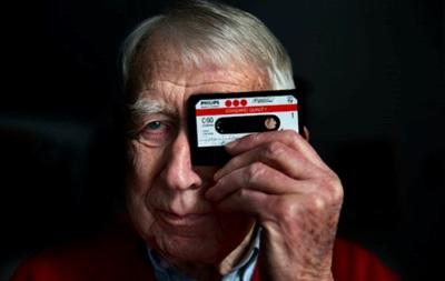 Помер винахідник касетної плівки і компакт-диска
